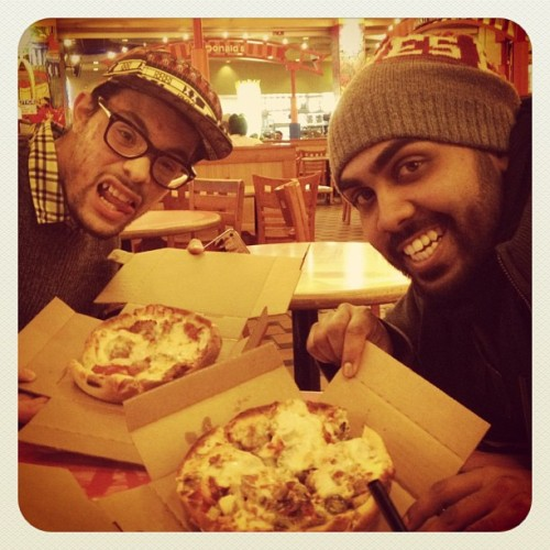 These two & their deepdish ways!! w/ @shadoweardrum & @joeito21 #chicago #navypier #pizza #deepdish #connies #iphoto #iphonesia #iphotography #iger