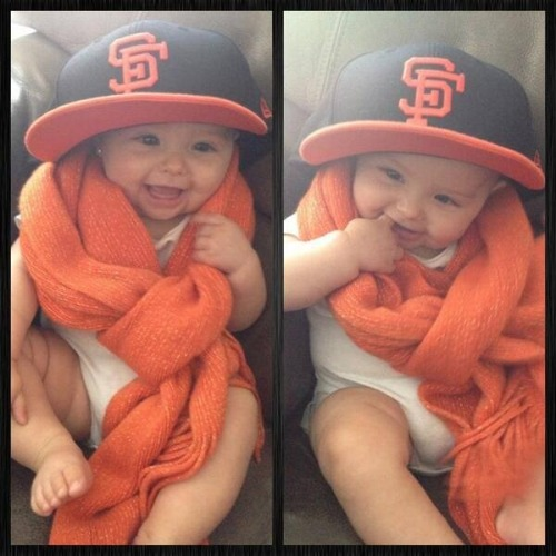 sfgiantsgirl19:  Crawbaby wearing daddy's hat! So adorable