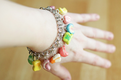Lucky Charm Bracelet {How to} Found at: handsoccupied