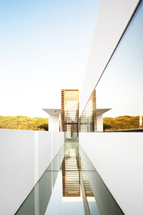 life1nmotion:   Casa Vale do Lobo by Arqui+