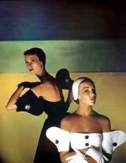 theniftyfifties:  Photo by Louise Dahl-Wolfe for Harper's Bazaar, 1950.