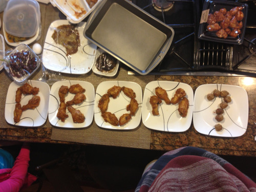 So I asked my boyfriend to prom with chicken lmaoo he couldn't say no