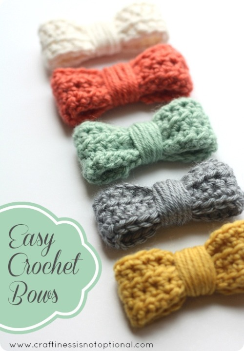 crocrochet:  Easy Crochet Bow tutorial/pattern