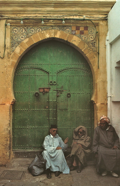 endilletante:  Essaouira  photographies de Bruno Barbey, Editions du Chêne, 2001.