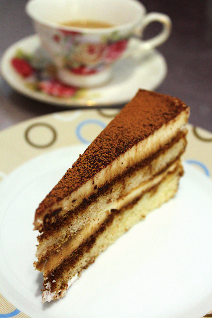 Tiramisu (by foodishfetish)