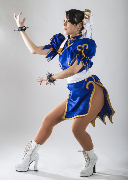 Chun Li from Street Fighter Cosplayer: argenevaPhotographer: Ramon Cabrera