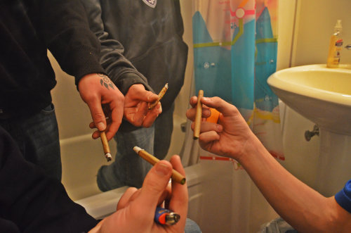 m1dnighttoker:  casually hot boxing the bathroom.