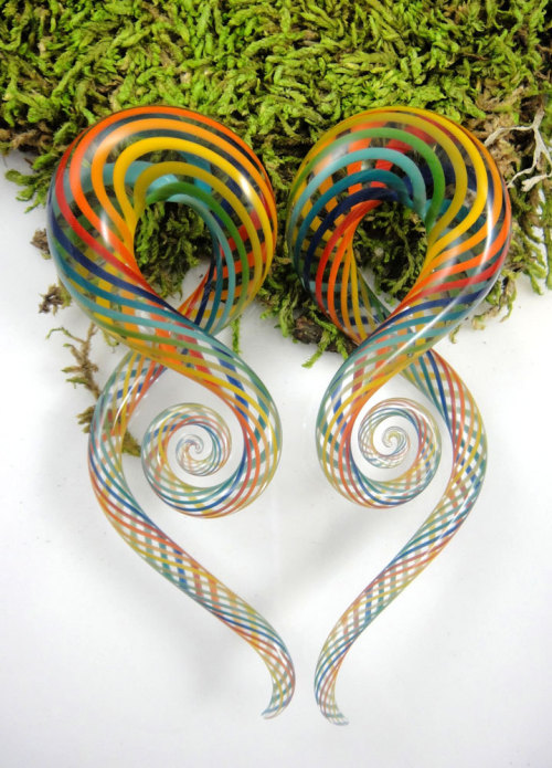 plugporn:  Rainbow Fishnet Squids by Glass Heart Studio