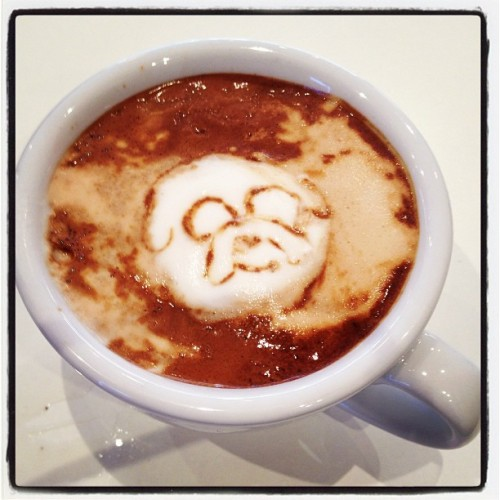 I drew Jake! #adventuretime #finnandjake #jake #coffeeart (at Merry Cupcakes)