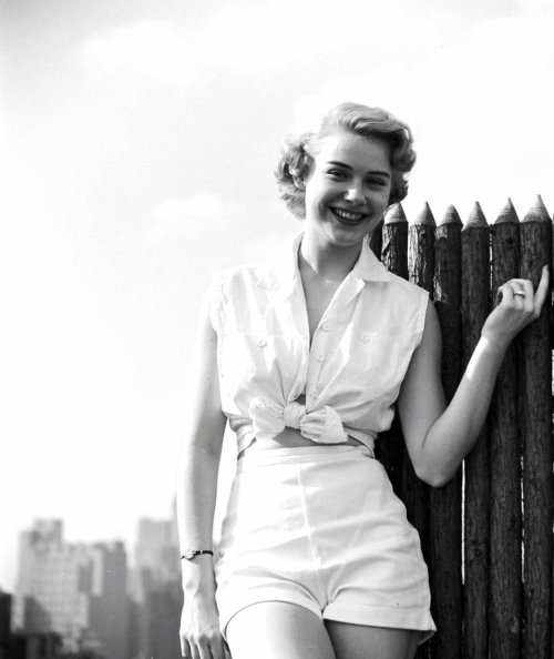 retrogirly:  Hope Lange