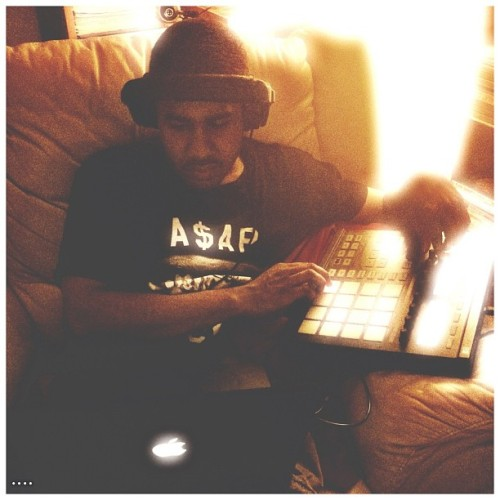 @greenhousebeats cookin up that boom bap. #delfino #stoopsedit