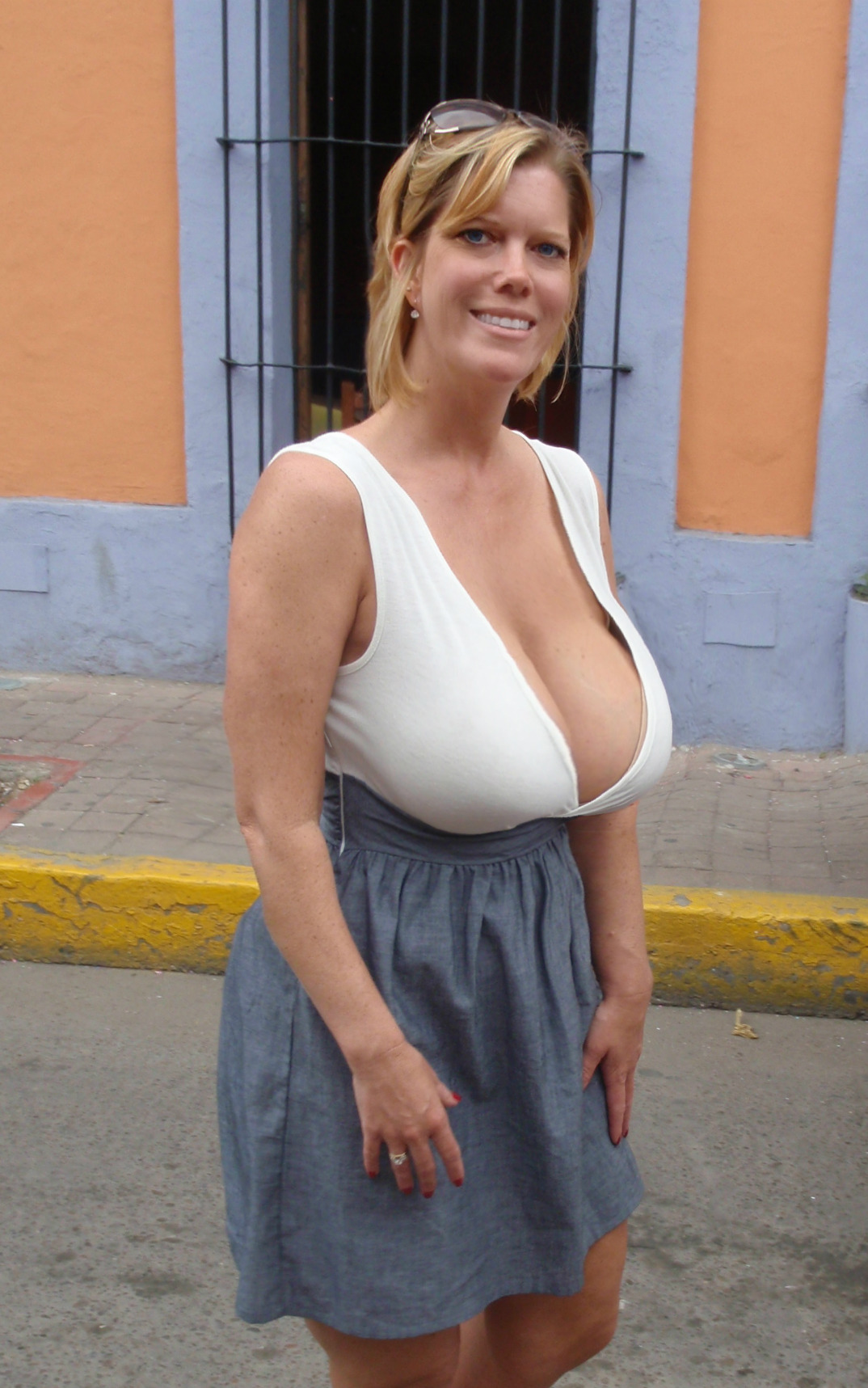 Mature big breast pic