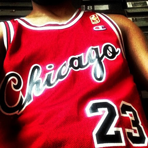 """The #3rd pick that mad the earth sick"" #tbt #jordan #rookie #champion #23 #chicago #bulls #throwback #jersey #money #goat #classic #90degrees"