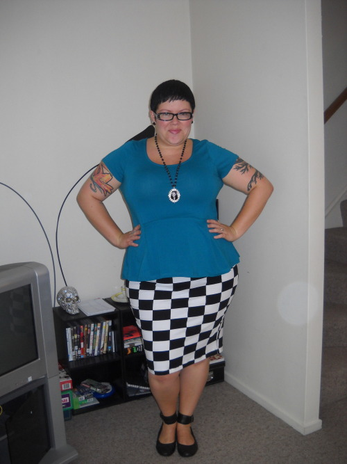 Fatshion February Day Five top - Dorothy Perkins, skirt - ASOS Curve, shoes - Hush Puppies, necklace - Twisted M.O.M., earrings - Calico Jacks
