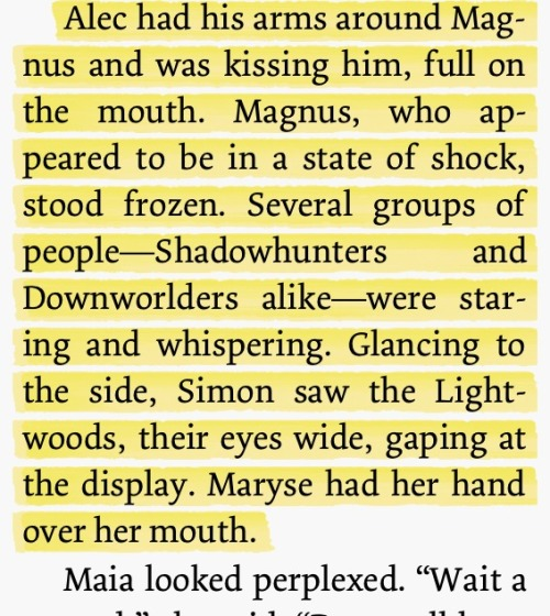 leslie261:  I read this and I was like WOW YOU GO ALEC KISS THE SEXY WARLOCK!!! (;😘