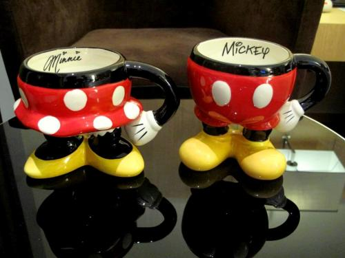 Mickey and Minnie BFF mugs. Please bring me back to HK. :)