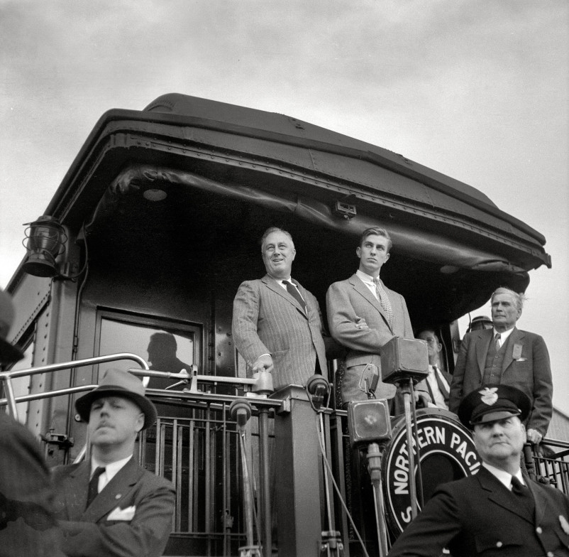 President Roosevelt speaking from train at Bismarck, North Dakota, 1936. By Arthur Rothstein