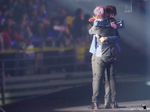yesoul824:  How I love these two <3 [130323] Yesung and Ryeowook at SS5 Seoul D1 <3 cr: helloidol
