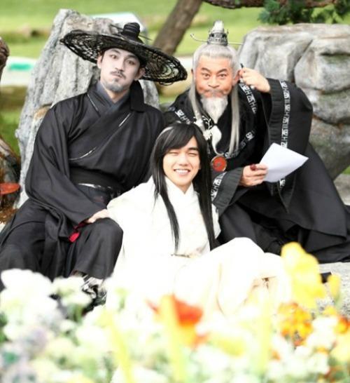 #ArangandtheMagistrate #LeeJunKi como #KimEunOh #ShinMinAh como #Arang (Fantasma) / #LeeSeoRim #YunWooJin como #JooHwal #YooSeungHo como #EmperadorJade #doramas #dramas