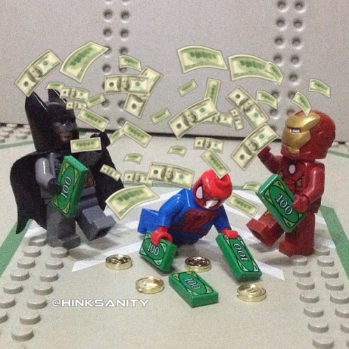 hinksanity:  Batman vs Ironman … with Spiderman The Lego version of a 9gag post