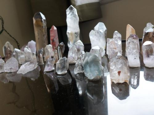 amber-skies-with-dragons:  Crystals.