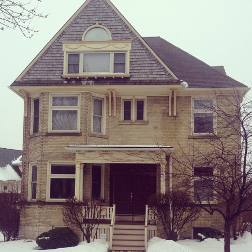 I would like to live in a #creamcity brick house one day. #milwaukee
