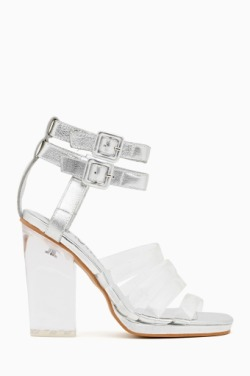 (via Blowout Sandal in Shoes at Nasty Gal)