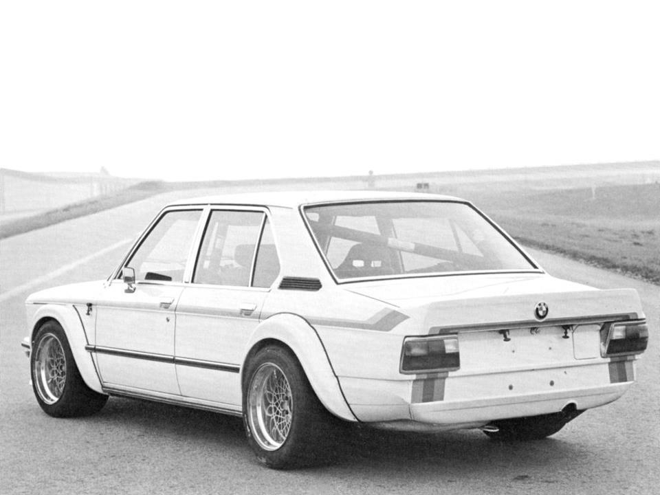 E12 BMW 530 MLE Race Car