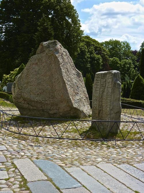 denmark jelling stones unesco rune stones scandinavian history mine mine: dk