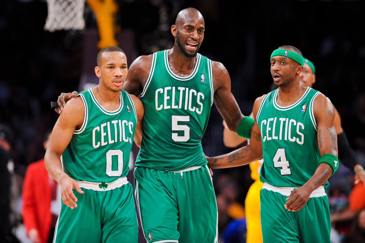 nba:  Kevin Garnett of the Boston Celtics speaks with teammates Avery Bradley and Jason Terry during a game against the Los Angeles Lakers at Staples Center on February 20, 2013 in Los Angeles, California. (Photo by Noah Graham/NBAE via Getty Images)