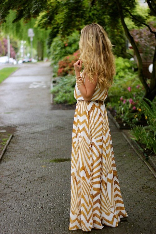 lookbookdotnu:  Painted Gold (by Cara M)  this just feels like summer. i love dressing up in the heat