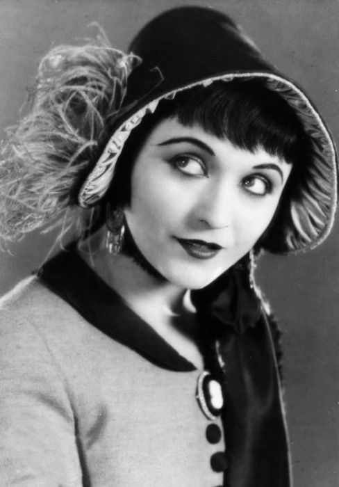 viola-goes-to-hollywood:  Pola Negri - c. 1920's