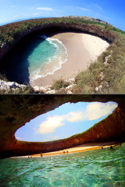heebeenie:  Hidden Beach in Puerto Vallarta, Mexico Damn, I need to start saving up for this place….