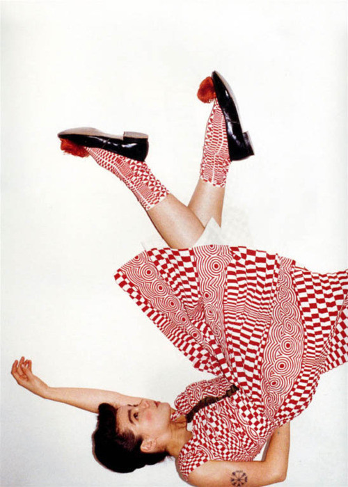 crystallizations:  Bjork wearing Comme des Garcons photographed by Juergen Teller for Self Service, 2001