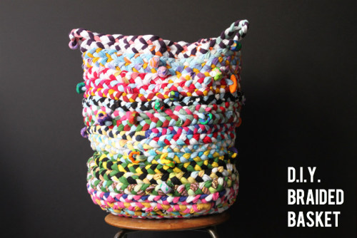 DIY Tee Shirt and Beads Braided Tall Basket Tutorial from Corner Blog here. This basket is much bigger than it looks and was made my moms in conjunction with their kids as a school art project and then auctioned off at a school function. They asked for an old tee from each student and then purchased a yard of jersey. Love how it turned out - in this case looking homemade is a definite plus. First seen at Design Crush here.