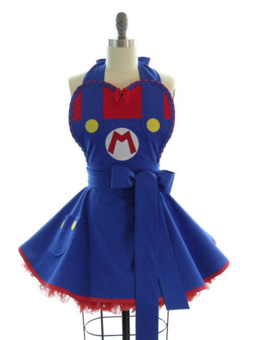 Geek Fashion Friday: Super Mario apron  Available via bambinoamore on Etsy. I wish this were available as a dress, too! It's adorable!