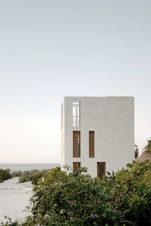 stxxz:  PLUG Architecture - Lookout tower house, Mexico.