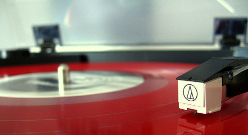 heavengnome:  record player by ErinLangNorris/YellowCanoe on Flickr.