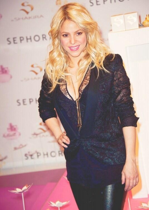 forever-locaa:  Queen Shak is back ♥