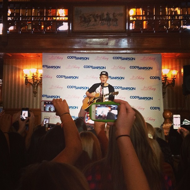 Cody Simpson - Pretty awesome watching @codysimpson at his sold out acoustic show before the #Believ