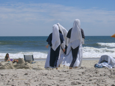 nunblr:  Nuns On The Beach (by Joe Shlabotnik)