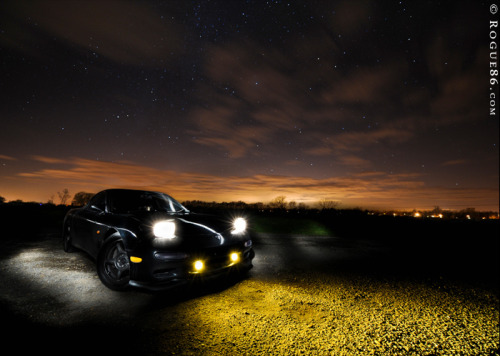 Night-rider Starring: '92 Mazda RX7 FD3S (by Rogue86.com)