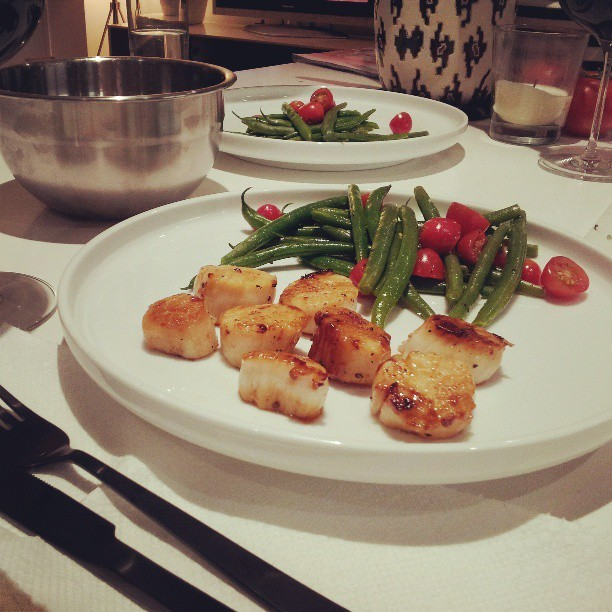 Tonight's dinner seared scallops with a simple french bean and grape tomato salad.