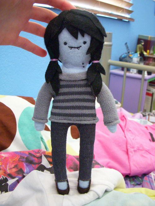 It's been such a long time since I've made a doll, gosh. I started this a long time ago and only just now got around to finishing it.