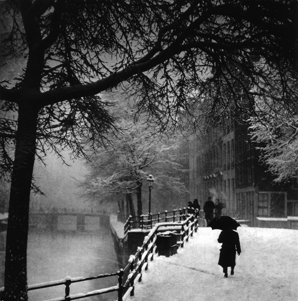 Amsterdam 1920 Photo: Bernard Eilers  (via greeneyes55:)