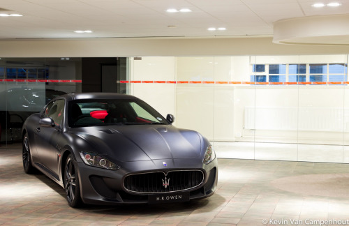 The deal is changed Starring: Maserati Granturismo MC Stradale (by Kevin Van C)
