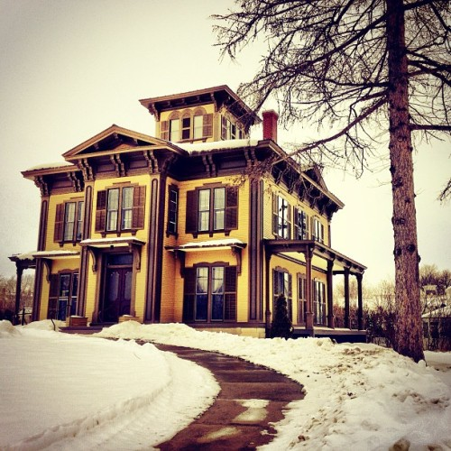 simpleandfreearchitecture:  Dream house #vermont #wannalivehere #sexy #love #cute #follow #picoftheday #photooftheday #instabitches #iphonesia #architecture #house #victorian  Vermont Problem: We have some beautiful houses