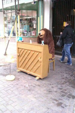 theclearlydope:  Future Goals: Buying a bar and having Rowlf play every night from 9pm - Midnight.