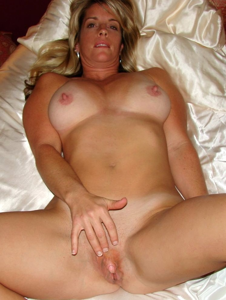 Naked cougar woman