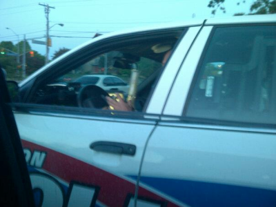 pot-scabby:  A friend caught an officer enjoying a nice bong rip on duty